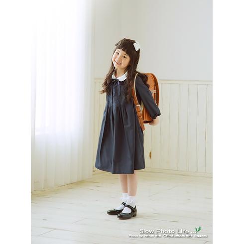 りこちゃんの入学写真立ちポーズ